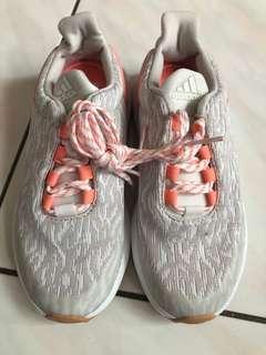 🚚 全新adidas童鞋18cm