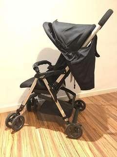 Combi stroller well carry