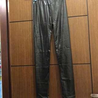 黑色亮澤彈性內搭褲(9成新)