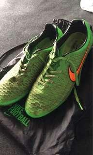 WILL BE CLEANED!! Nike soccer boots