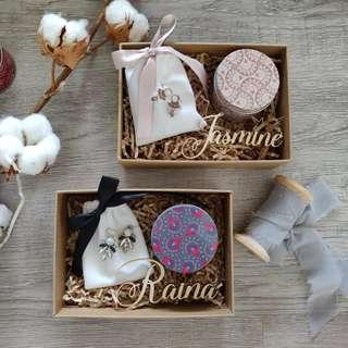 Gift Set - Earrings & Candle