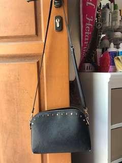 Hnm sling bag / black