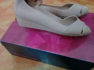 Pale Pink Rubber Wedge