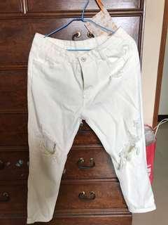 🚚 白色破洞牛仔褲