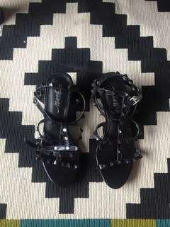 Yomi Shoes