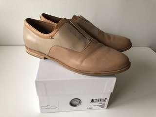 Beige leather shoes