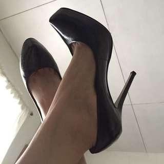 *MARKED DOWN FROM 1K PhP* River Island Classic Black Platform Pumps