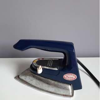 Vintage Sanyo Travel Iron