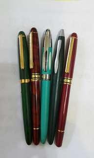 🚚 鋼筆5支 每支180