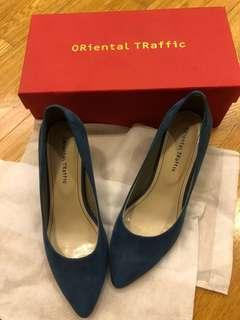 清屋大🈹️價37 oriental traffic Ladies high heel blue suede shoes