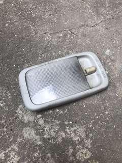 Toyota 車箱燈