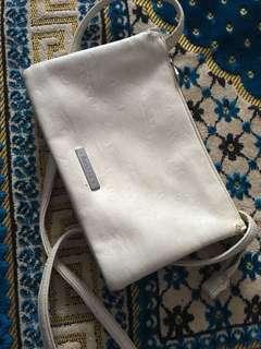 CNY2019 bershka white slingbag 10f7c3e238