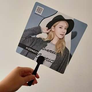 Yoona 代言的扇子&筆記本