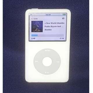 Apple iPod Classic 第五代 30GB 型號:A1136