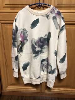 Oversized Sweater Flower Print
