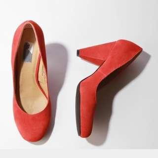 URBAN OUTFITTERS Suede Pumps`