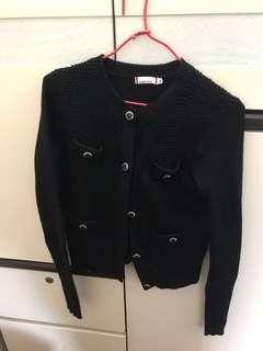 黑色短身外套 少著