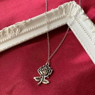 """❤️Valentine's Day choice - silver rose 18"""" necklace"""