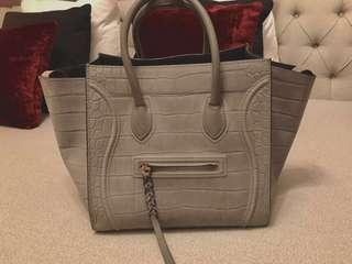 🚚 Celine Luggage Phantom Tote