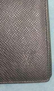Louis Vuitton LV Taiga Long Wallet