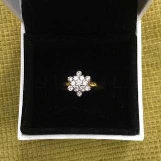 12 karat yellow gold diamond cluster ring approximately 2.8 grams