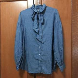 🚚 BNWT Levi's Chambray Shirt With Detachable Bow