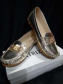 Sepatu gold PATRIZIO