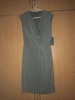 Brand New Gray sleeveless Cow neck dress