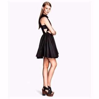 [BNWT H&M] Premium Collared Dress with Side Cut Panel and Pleated Full-Body Skirt.