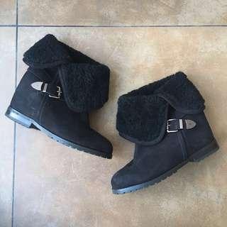 Pedder Red Fur Boots