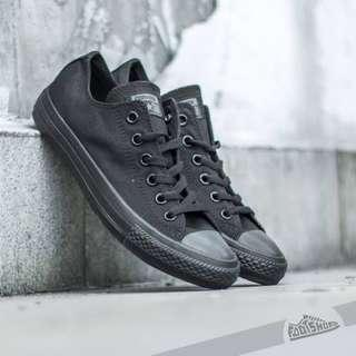 Converse Chuck Taylor All Black Low Core