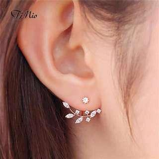 Leaf twig stud earrings
