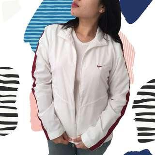 NIKE BASIC WHITE JACKET