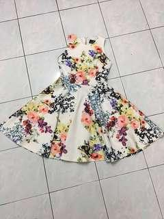 Doublewoot floral dress ( RESERVED)