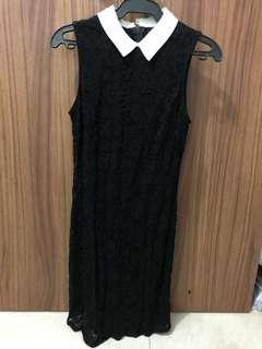 Slim collared lace dress