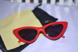 Lolita Retro Summer Cat Eye Tint Sunglasses Shades Red and Black