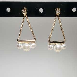 Triangle Pearl Earrings (Pre-order)