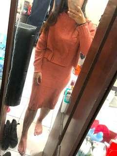 🚚 磚紅針織開叉長裙套裝❤️