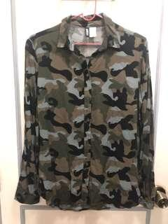 H&M Camouflage long sleeves polo