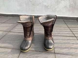 Winter boots ( water proof )