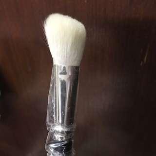 MAC angled brush for shading blush #168