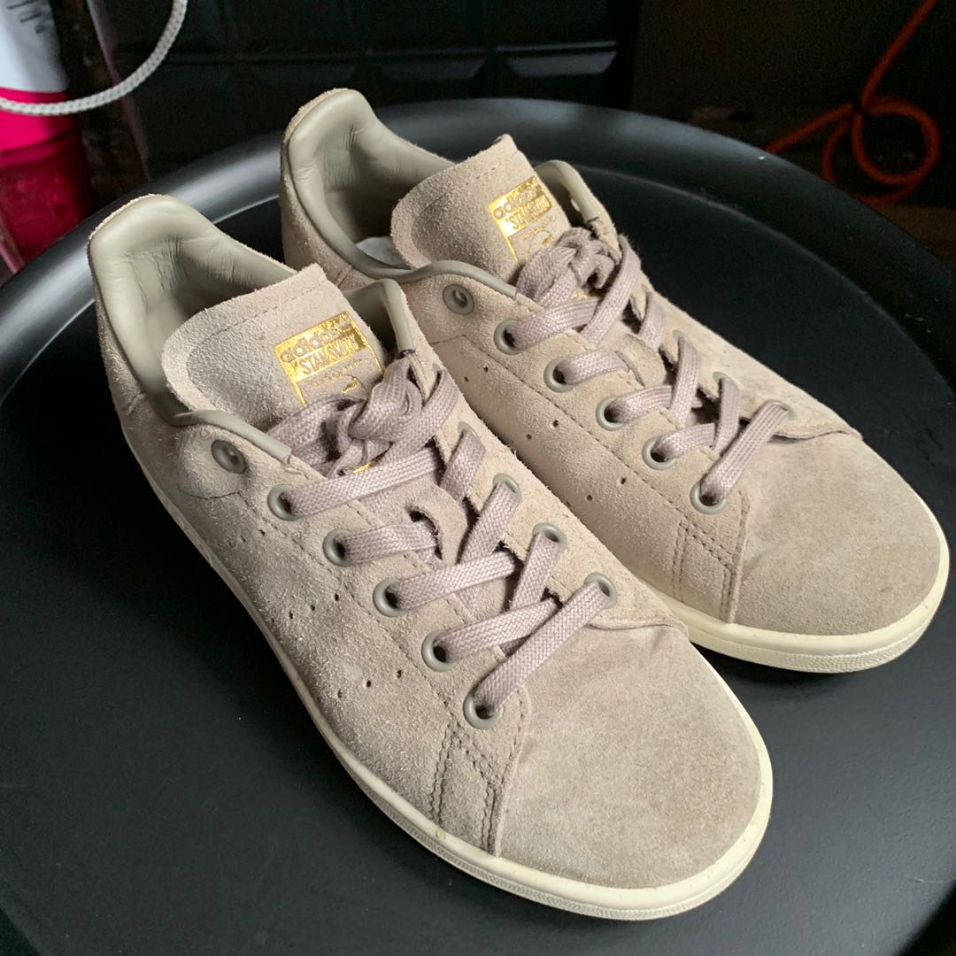quality design bd21e 6108a Adidas stan smith grey suede, Women s Fashion, Shoes, Sneakers on ...