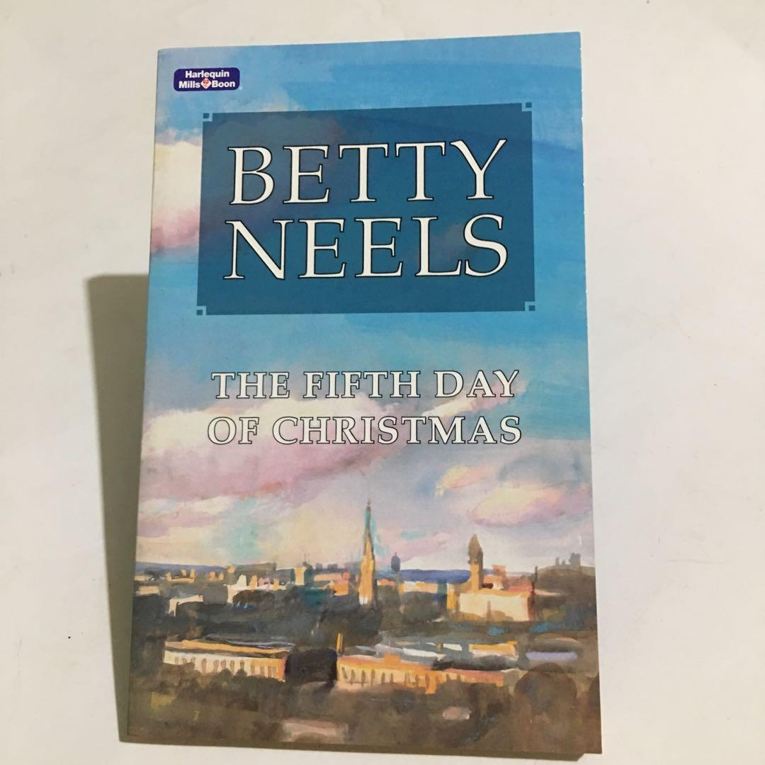 BETTY NEELS - The Fifth Day Of Christmas  *Harlequin*