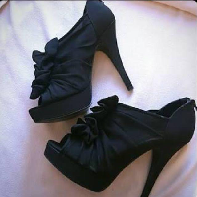 Chinese Laundry Black Haylie Heels size 7.5 (38)