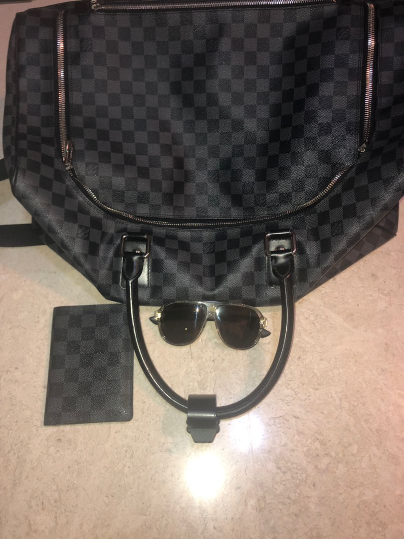 9c0528ef65f9 Louis Vuitton ( luxury travel pack )