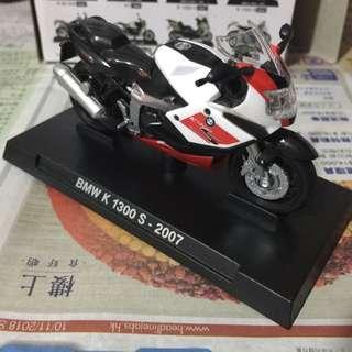 Bmw 模型車 電單車 K1300s