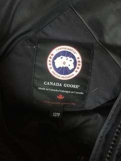 Canada goose Montebello parka in xs navy blue