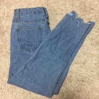 🚚 淺色直筒牛仔褲(全新)