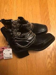 Zara size 6 black booties