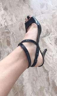 Excellent condition Jill Stuart black strappy heels - fits 7